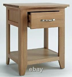 Small Oak Side Table Wooden End/Lamp Table Bedside Cabinet Nightstand